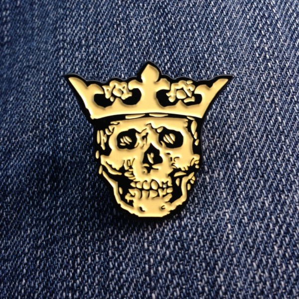 Royal Buttons logo pin - yellow