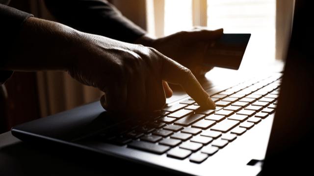 Baca 4 cara menjaga keamanan akun Kredit Pintar agar bisa lolos dari modus penipuan yang mengatasnamakan Kredit Pintar. Baca info selengkapnya di sini.