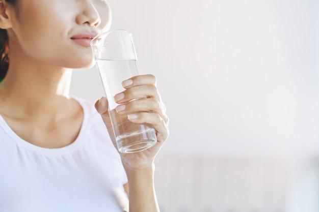 Manfaat Minum Air Putih di Masa Pandemi