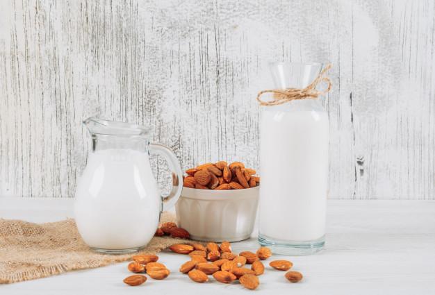 5 Cara Membuat Susu Almond: Sehat dan Enak