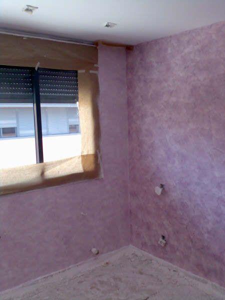 Dormitorio pintado en Tierras Florentinas Cosmopolitan Morado - Pinturas Urbano