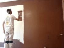 Aplicando esmalte pymacril color marron 1