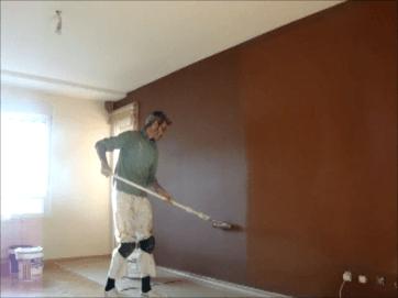 Aplicando esmalte pymacril color marron 9