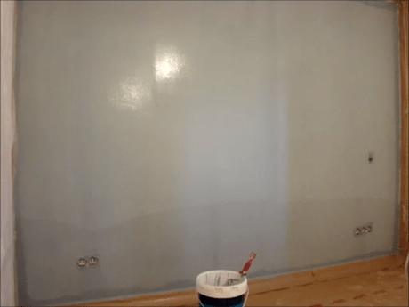 Aplicando esmalte pymacril color azul grisacio 7