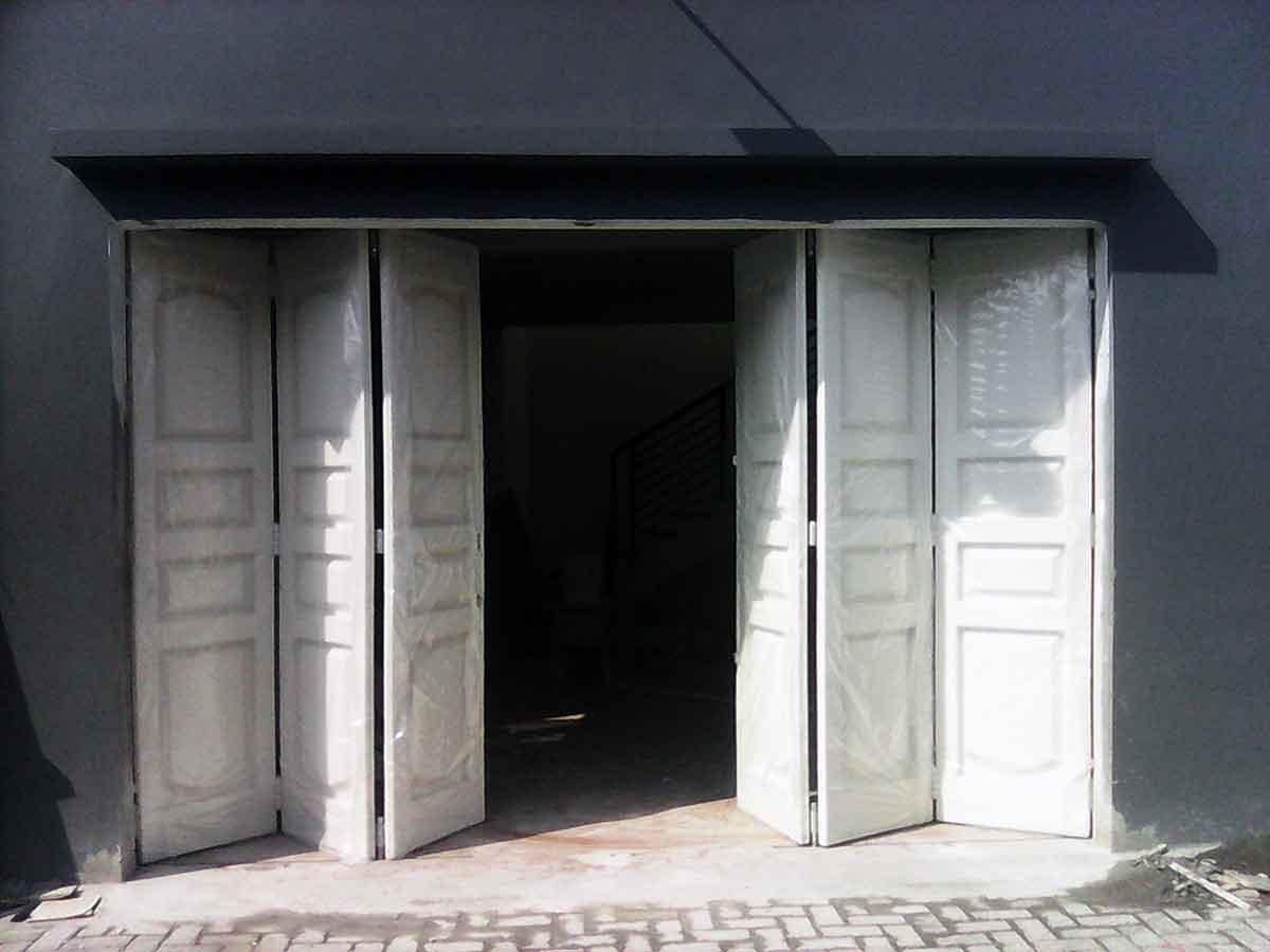 pintu garasi grant menjual pintu garasi grant beserta
