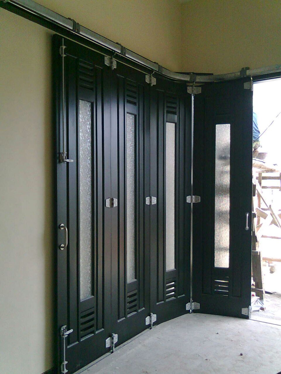Harga Pintu Garasi Besi Terbaru  Pintu Lipat