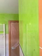 Reflejos sobre estuco veneciano verde paredes wc (16)