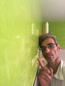 Reflejos sobre estuco veneciano verde paredes wc (6)