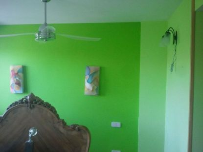 dormitorio verde oscuro y verde claro 1