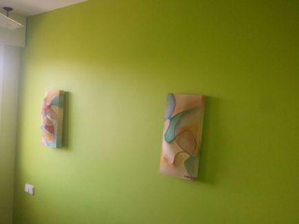 dormitorio verde oscuro y verde claro 12
