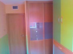 Habitacion Infantil Plastico Sideral Naranja y Esmalte Valacryl color verde con mueble (5)