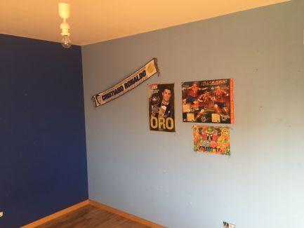 Estado de la Habitacion Paredes en plastico azul y esmalte azul oscuro (1)