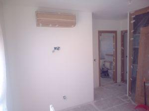 Aplicado 3 manos de Aguaplast en techo y paredes Dormitorio Principal (5)
