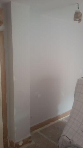 1 mano de plastico sideral s-500 y replastecido de paredes (17)