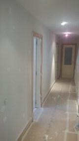 1 mano de plastico sideral s-500 y replastecido de paredes (26)