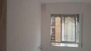 2 mano de plastico sideral s-500 blanco en paredes (4)