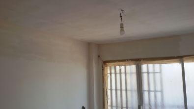 Aplicado 3ª mano de aguaplast fino en paredes salon parte alta (3)