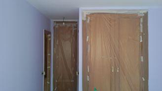 1 mano de plastico sideral color malva en paredes (5)