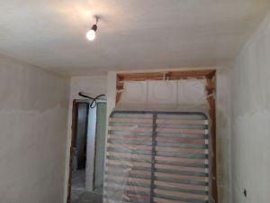 Aplicado 2 mano de aguaplast en paredes (9)