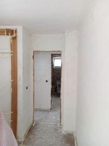 Aplicado 3 mano de aguaplast fino en paredes (13)