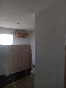 Aplicado 1ª Mano de Aguaplast Macyplast en techos y paredes (21)