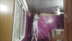 Puliendo con llana Estuco Gris Dormitorio