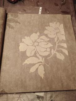 Papel pintado flores marron y oro (1)