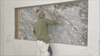 Aplicando cera al Estuco Marmol Coslada