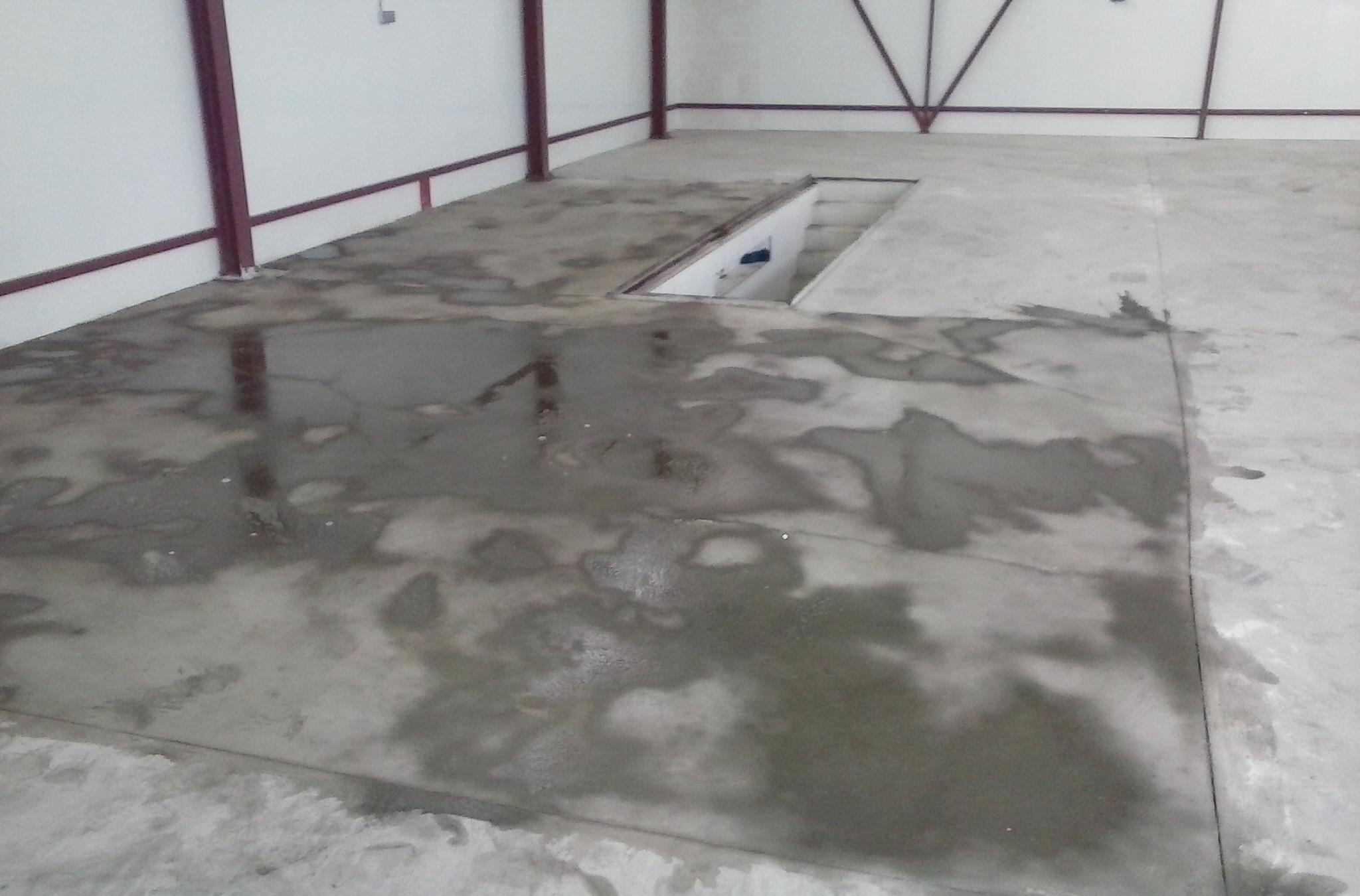 Abrir poro al cemento y limpieza de suelo de garaje - Pintar suelo de cemento ...