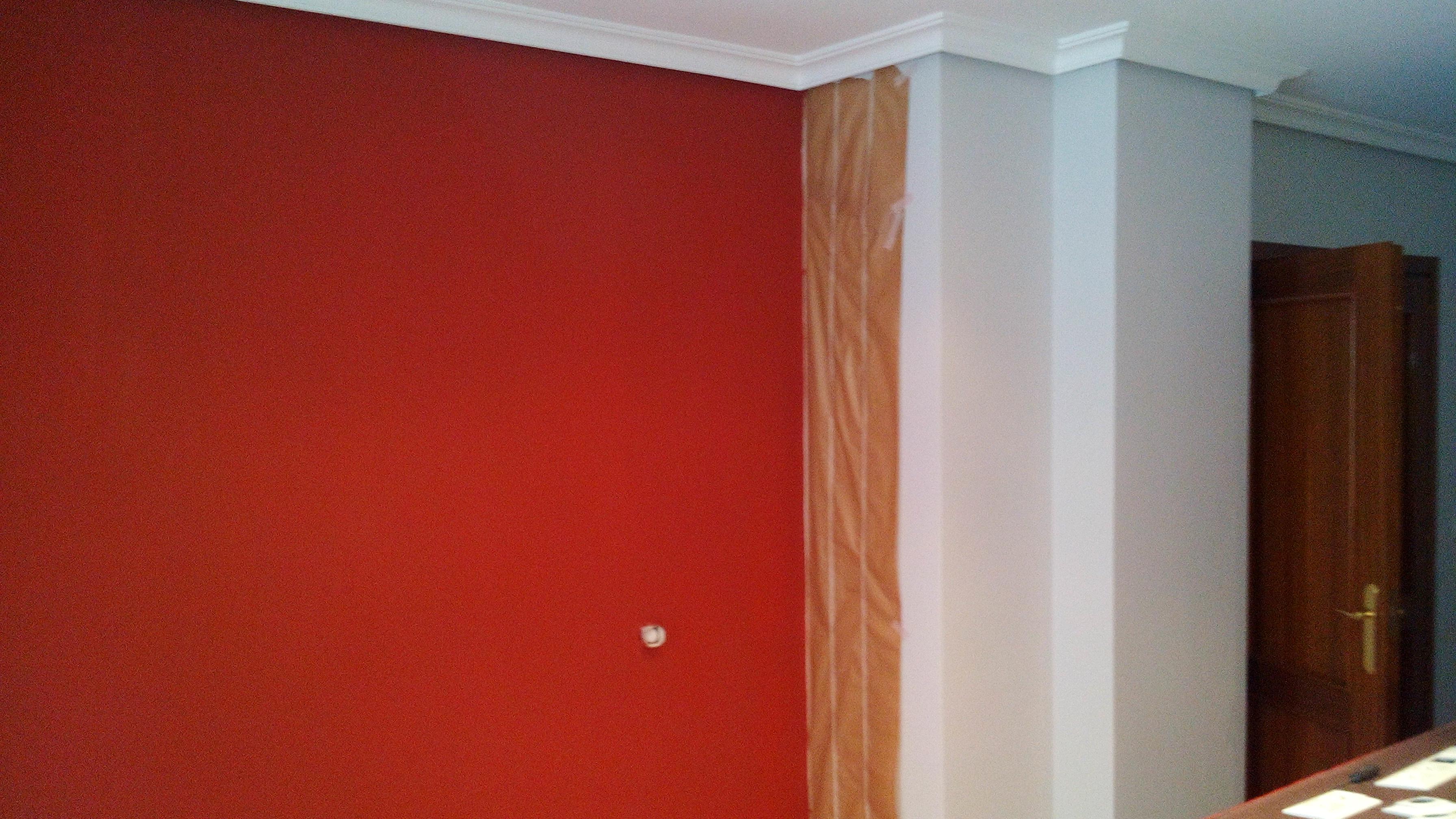 Pintura plastica color gris claro y rojo pintores en for Pintura gris claro pared