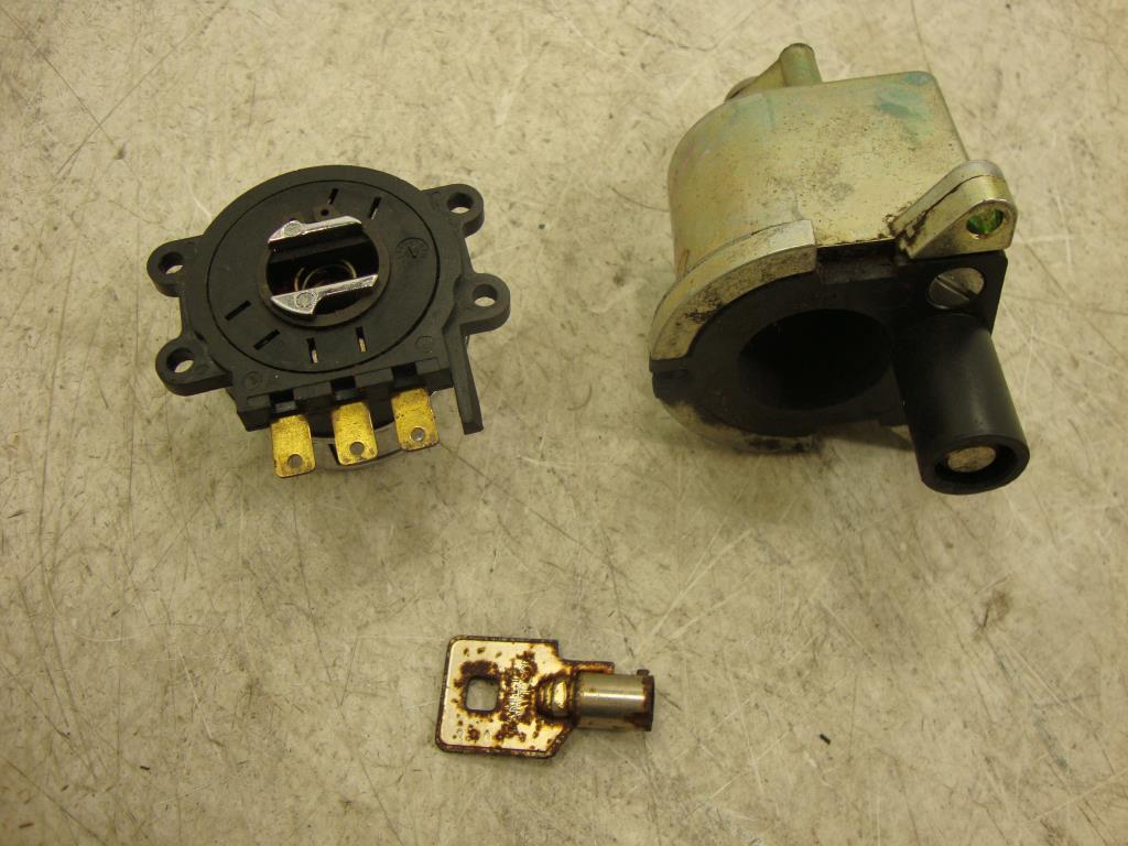 harley davidson ignition key number door handle parts diagram 94 11 road king lock set fork
