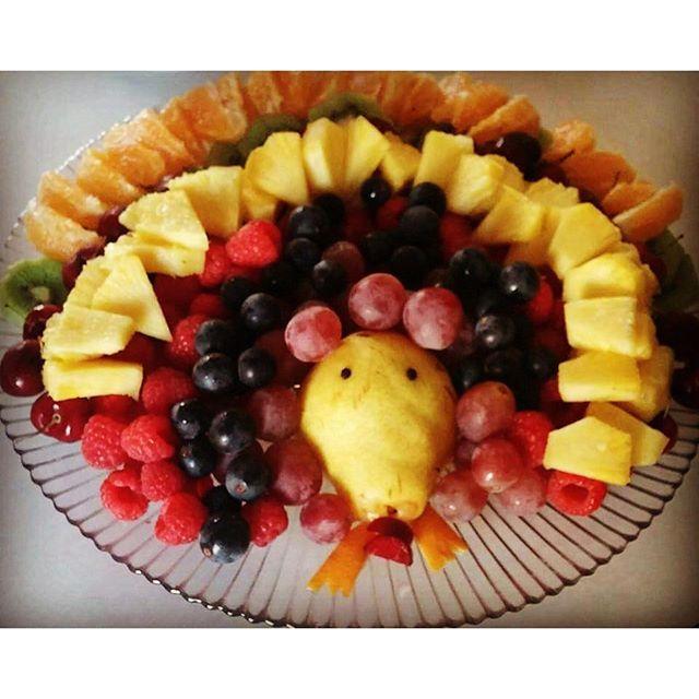 #fruitart #thanksgiving #crueltyfree #vegan #rt4 #fruiturkey