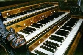 Waltershausen organ console