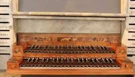 """Fürstenfeldbruck organ console detail, photo by """"Mtag"""""""