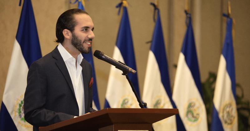"""""""El agua no puede ser privatizada sin sanción del Presidente de la Republica"""" Nayib Bukele"""