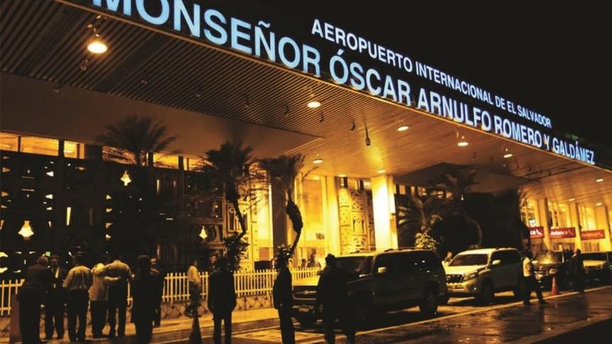 Cierre de el Aeropuerto Internacional de El Salvador debido al COVID-19.