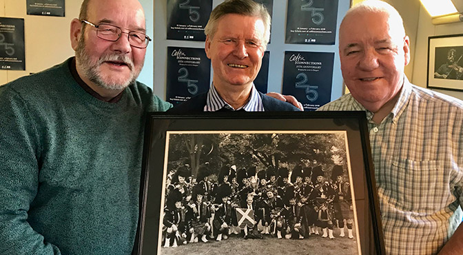 Historic Picture Handed Over at Celtic Connections by P/M Ian Duncan