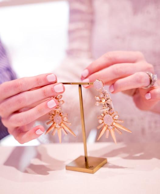 chic-wish-white-lace-dress-kendra-scott-necklace