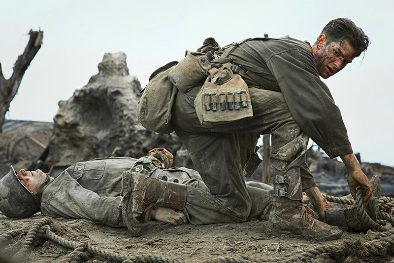 Andrew-Garfield-in-Hacksaw-Ridge-2016-1-800x533