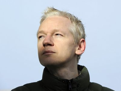 Diretora do premiado CitizenFour denuncia esforço do WikiLeaks para censurar filme sobre Julian Assange