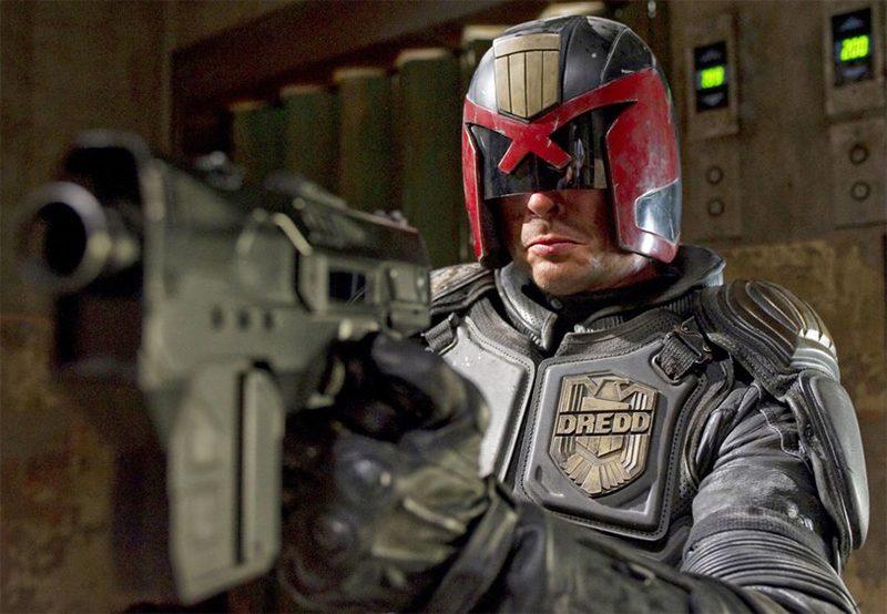 Karl Urban negocia voltar a viver Juiz Dredd numa série | Pipoca ...