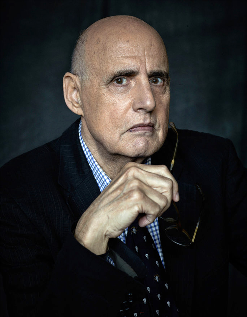 Jeffrey Tambor é acusado de assédio verbal e intimidação no set de Arrested Development