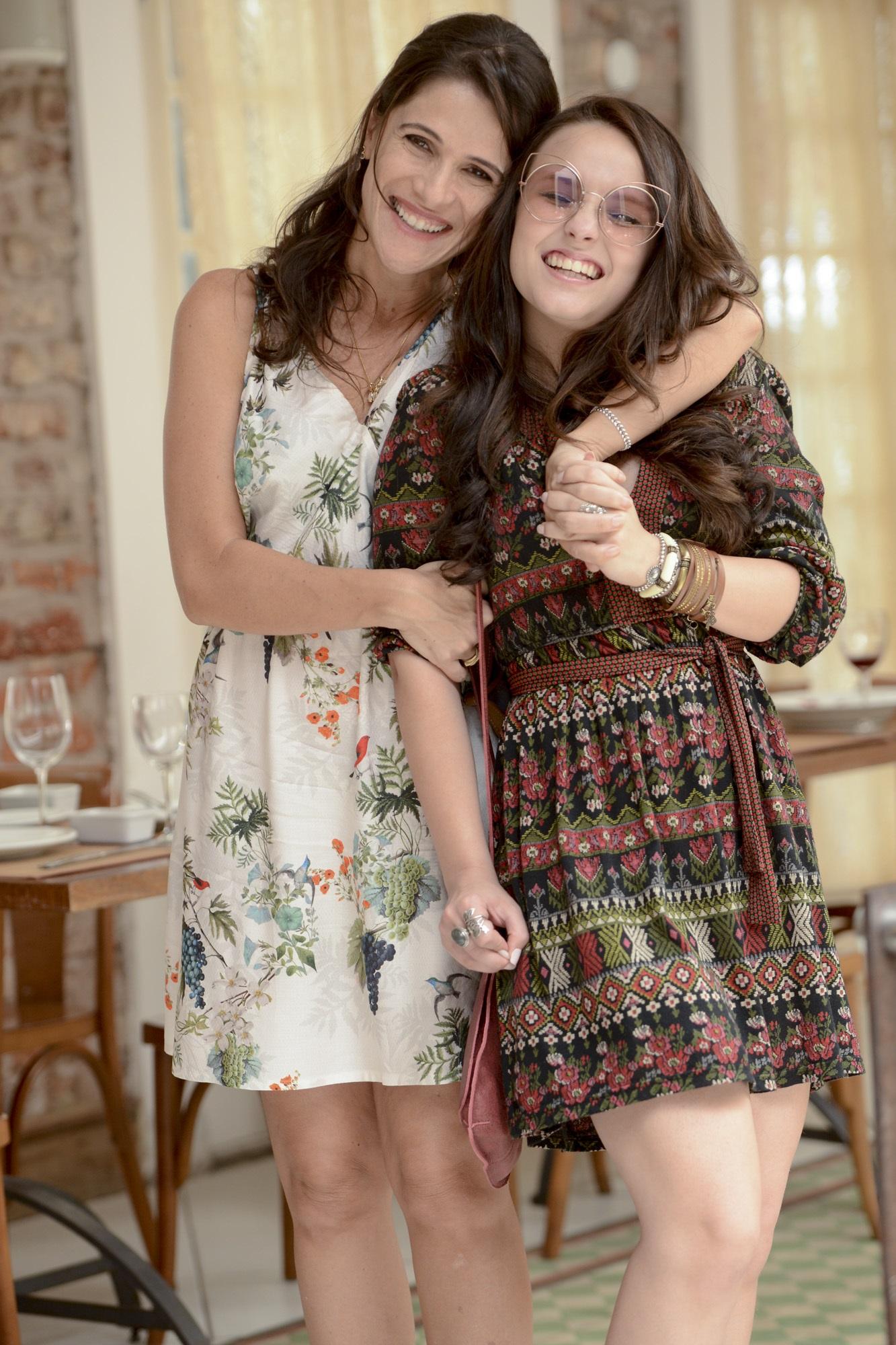 Ingrid Guimarães e Larissa Manoela são mãe e filha no trailer da comédia  Fala Sério, Mãe! e305089e7b
