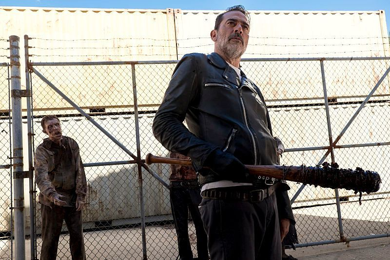 Último episódio de The Walking Dead reciclou ideias de filme clássico de Paul Verhoeven