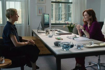 Remake de Depois do Casamento ganha trailer com Michelle Williams e Julianne Moore