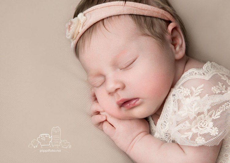 nyfodtfoto-babyfotograf-oslo-gravidfoto-termin-helsestasjon-oppegard-fotograf-kolbotn