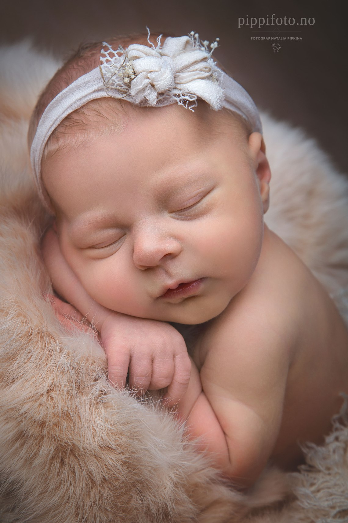 nyfødtfotografering-nyfødtjenta-babyfoto-newborn-oslo