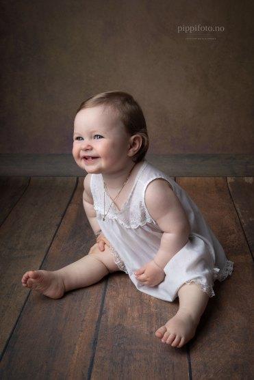 ettårsfotograf-ettårsbilder-barnfotografering-barnefoto-fotograf-Oslo-studiofotografering