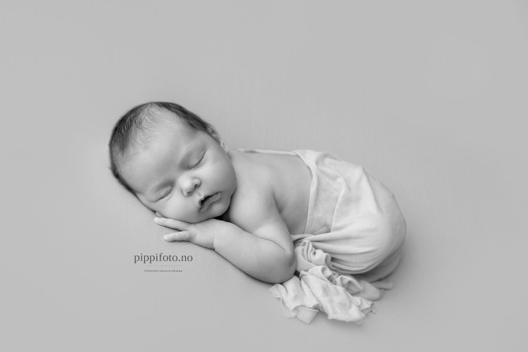 nyfødtfotograf-nyfødtbilder-nyfødtfotografering-follo-Oppegård-Oslo