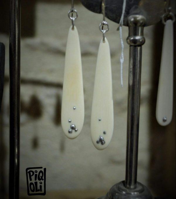Boucles d'oreilles buée d'argent en ivoire de mammouth et clous d'argent inclus
